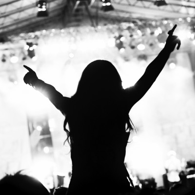 Lores-girl-at-concert-Songwall-iStock-copy