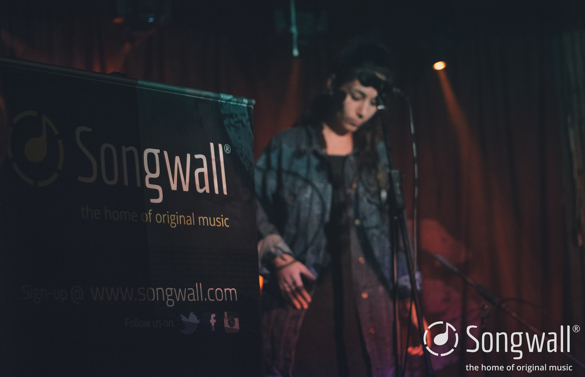 Ella_Joy_Songwall_Cogs_Bar_lores