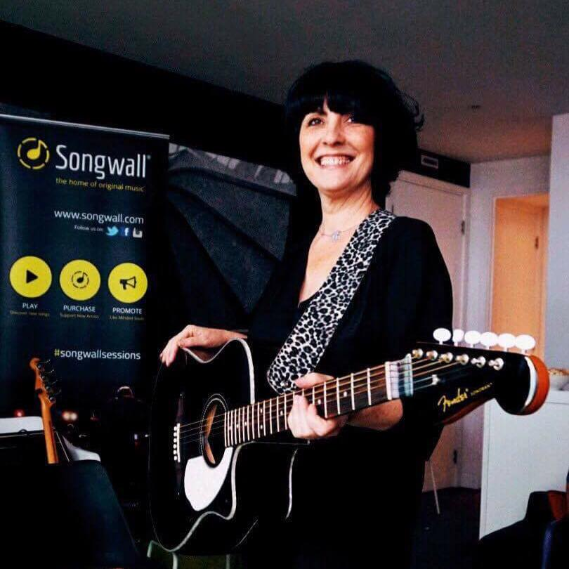 Rachel-Mayfield-Songs-in-the-Sky-Songwall-Staying-Cool-at-the-Rotunda