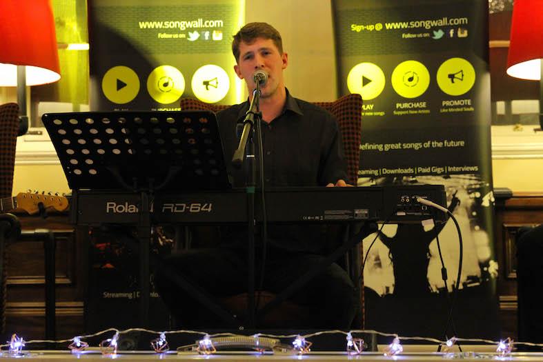 rob_singer_chasing_deer_birmingham_museum_songwalllive_lores