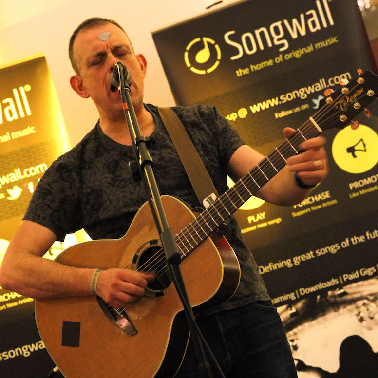 tom_hingley_birmingham_museum_songwalllive_plectrum_square_lores