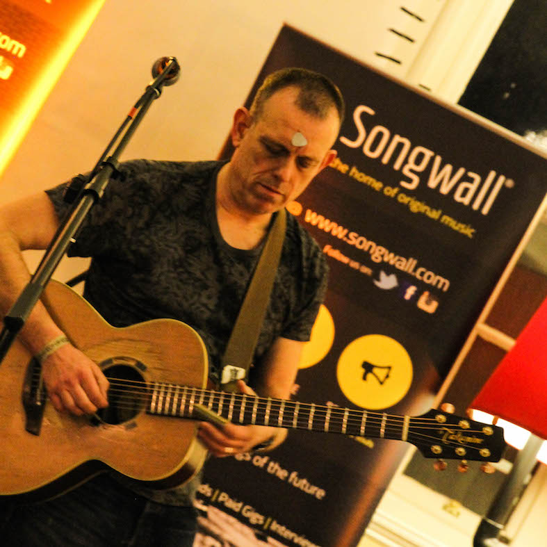 tom_hingley_two_birmingham_museum_songwalllive